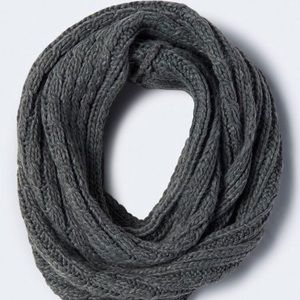SALE ‼️‼️ grey cable knit infinity scarf